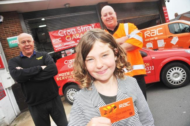 Mechanics in Swindon praised for helping young cancer patient