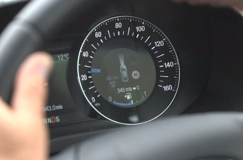 Speed limiters to be fitted on all new cars from 2022